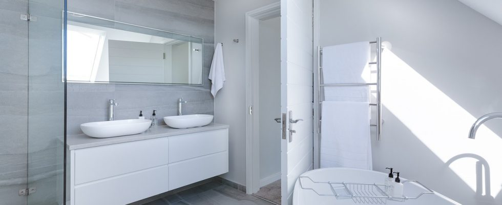 Met badkamer plafond platen aan de slag voor een andere look